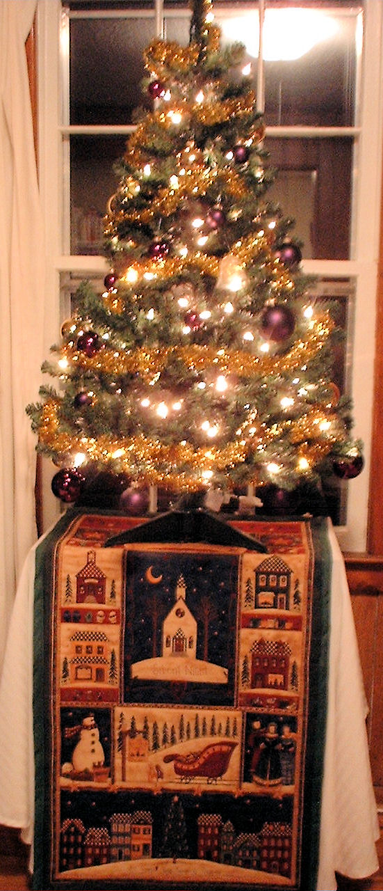 Subplots Decorating A Christmas Tree
